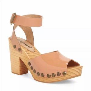 Free people Pasadena clog sandal patent size  7 M